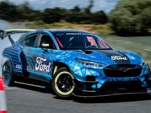 Η Ford προτάσσει την έννοια της οδηγικής απόλαυσης