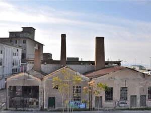 Πάτρα: Αλλάζει 'πλώρη' το έργο; - Σχεδιάζουν την κατασκευή εμπορικού mall στον πρώην Λαδόπουλο