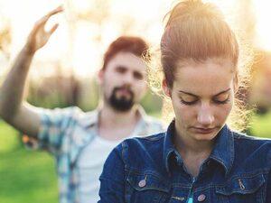 Σχέσεις - Πώς δεν θα «πέσετε» στην τοξική παγίδα του gaslighting