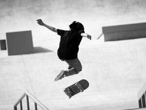 Πάτρα: Το πάρκινγκ των Vips στο Στάδιο πήρε ζωή από τους πιτσιρικάδες skaters