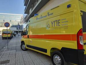 Πάτρα: Έφτασαν τα νέα ασθενοφόρα του ΕΚΑΒ στα γραφεία της 6ης ΥΠΕ (φωτό)