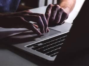 Πάτρα: Χάκαραν το e-banking και του έκλεψαν 11.800 ευρώ (video)