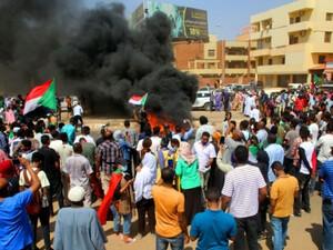 Πραξικόπημα στο Σουδάν: Τουλάχιστον 7 νεκροί και 140 τραυματίες