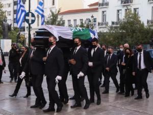 Στη Μητρόπολη Αθηνών η σορός της Φώφης Γεννηματά