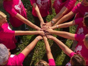 Πάτρα: Το 9ο Pink the City 'έβαψε' την πόλη ροζ σκορπίζοντας μηνύματα αισιοδοξίας! (φωτο)