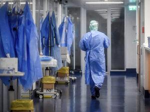 Κορωνοϊός: Στα 2.984 τα νέα κρούσματα - 391 οι διασωληνωμένοι, 31 θάνατοι