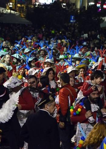 Παρέλαση – Νυχτερινή ποδαράτη