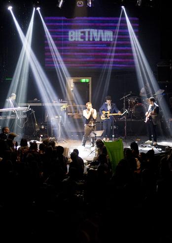 Βιετνάμ Live στο Tres