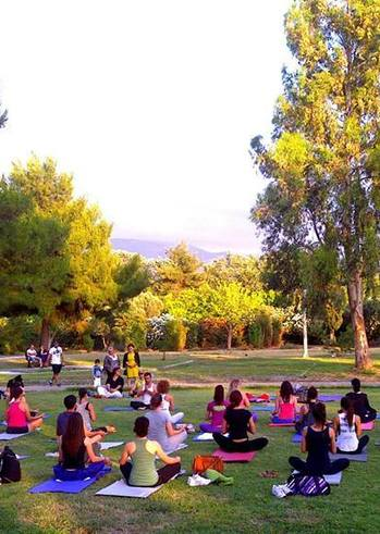 International Yoga Day στην Πλαζ ΕΟΤ