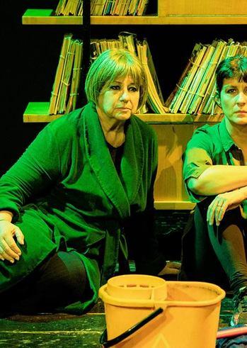 """""""Δύο Γυναίκες Χορεύουν"""" στο Δημοτικό Θέατρο Απόλλων"""