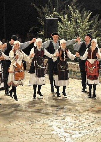 «Γιορτή Χορευτικών Συγκροτημάτων» στην Πλατεία Υψηλών Αλωνίων