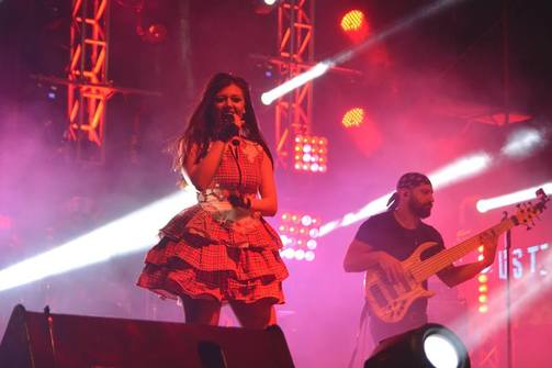 Η Πατρινή performer, Γιούλη Ασημακοπούλου στην τελετή λήξης του καρναβαλιού!