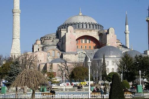 Οδηγίες σε Πατρινούς ταξιδιώτες προς Κωνσταντινούπολη: 'Μην έχετε μαζί σας ελληνικές σημαίες'