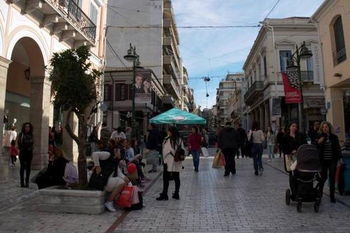 Πάτρα: Έχει 'στεγνώσει' η αγορά - Υπάρχουν μαγαζιά που δεν κάνουν ούτε 'σεφτέ'