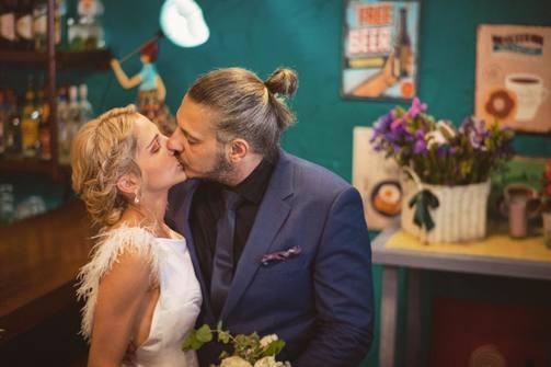 Ντίνος και Κρυσταλίνα - Ο έρωτας και η ευτυχία 'σφραγίζονται' με γάμο (pic)
