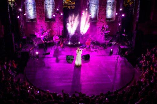 Η Νατάσσα Μποφίλιου στο υπέροχο θέατρο της Πάτρας! (φωτο)