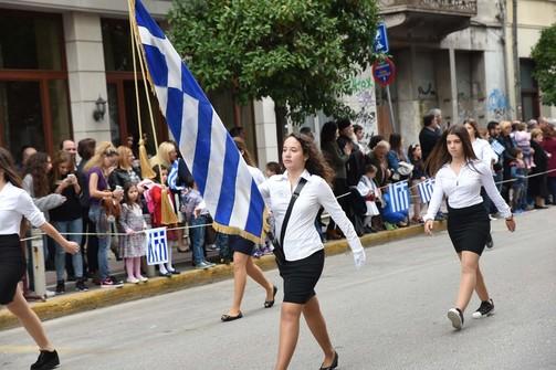 Αριστούχοι ή κλήρωση; Τα σχολεία της Πάτρας ετοιμάζονται για την παρέλαση