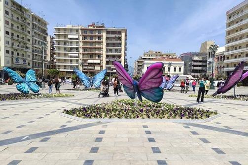 Πώς τα social media γέμισαν από τις πεταλούδες της Πάτρας και από άνοιξη (φωτό)