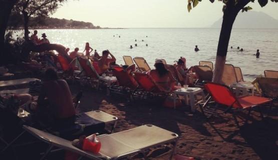 Κόσμος το Σαββατοκύριακο στις παραλίες γύρω από την Πάτρα! (φωτο)