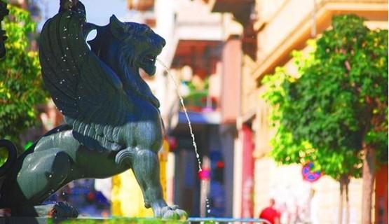 Τα επιβλητικά συντριβάνια της πλατείας Γεωργίου! (φωτο)