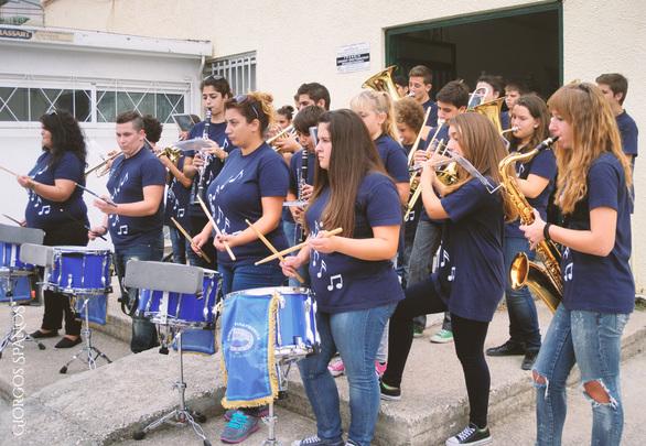 Αιγείρα: Ενθουσίασε η Δημοτική Φιλαρμονική τους μαθητές - Δείτε φωτογραφίες