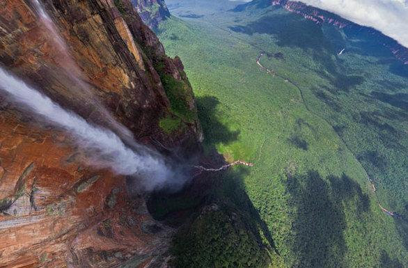 Salto Angel (Βενεζουέλα) Ύψος: 984 μέτρα