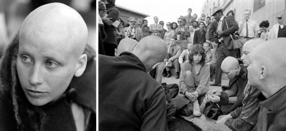 Τόσο ο ίδιος όσο και ο σκληρός πυρήνας της σέχτας του δεν έδειξαν ποτέ μεταμέλεια, κι έτσι στις 25 Ιανουαρίου 1971 καταδικάστηκε σε θάνατο, ποινή που μετατράπηκε αυτόματα σε ισόβια κάθειρξη.