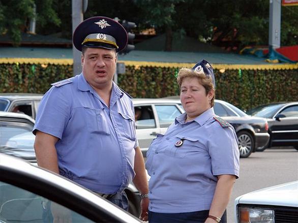 Ρώσοι αστυνομικοί σε απίθανες πόζες για πολλά γέλια (pics)