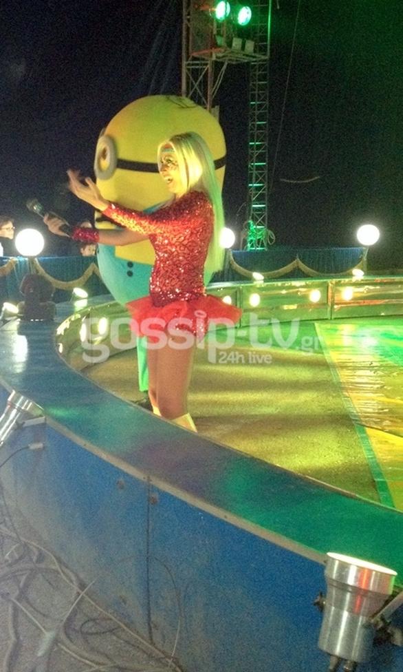 Γωγώ Γαρυφάλλου: Εργάζεται πλέον ως... κομφερασιέ στο τσίρκο! (pics)