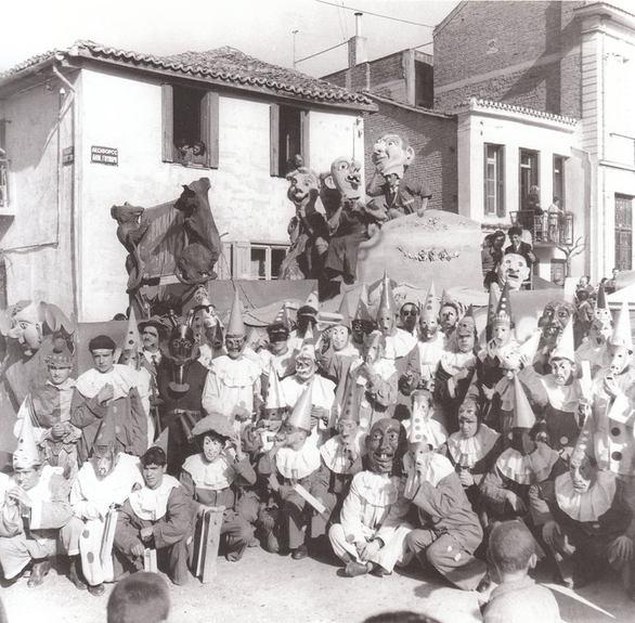 Α - Καπέλα, Πιερότοι - Καρναβαλιστές που μας θύμισαν παλιές καλές εποχές!
