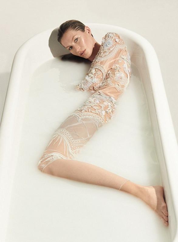 Η Ζιζέλ γυμνή στο εξώφυλλο γνωστού περιοδικού (pics)  a5e3c8bafc8