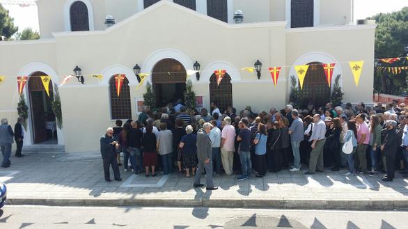 Συνωστισμός στο προσκύνημα των λειψάνων της Αγίας Βαρβάρας (pics)