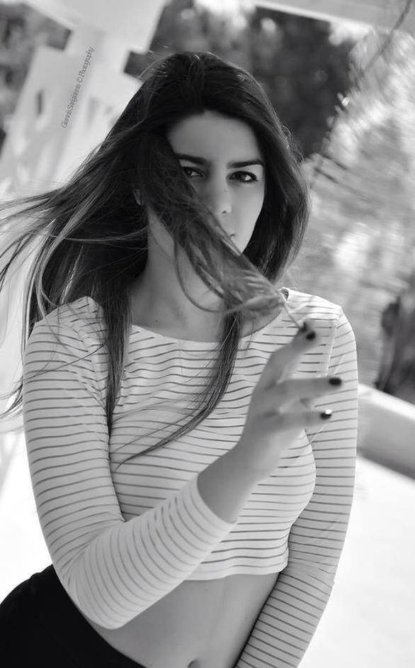 Βαλεντίνα Κυβέλου: Η 18χρονη Βενετσιάνα με τη διαχρονική γοητεία, που ζει στην Πάτρα (pics)