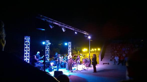 Πάτρα: Καταχειροκροτήθηκε η χθεσινή μουσική βραδιά στην Κρήνη (pics+video)