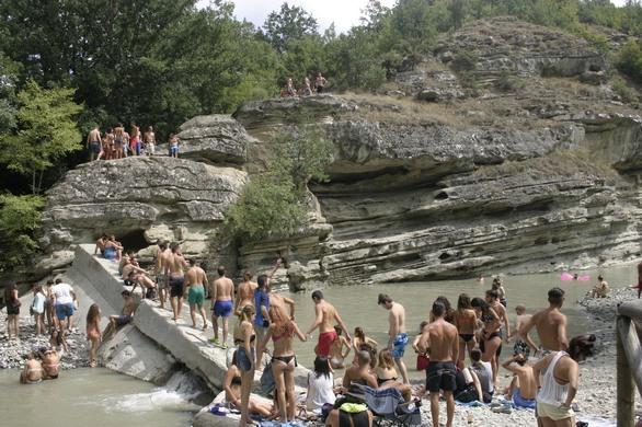 Το «37o River Party» ξεκίνησε και έχει μαγεία - Δείτε φωτογραφίες και βίντεο
