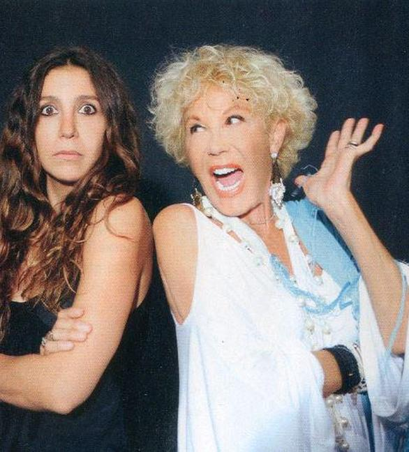 Η Ζωή Λάσκαρη και η κόρη της Μαρία Ελένη είναι... ''στα μαχαίρια''! (pics)