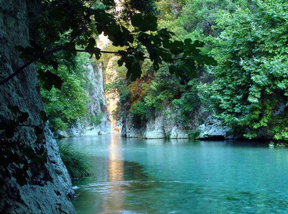 Δείτε 6 πανέμορφα φαράγγια της Ελλάδας! (pics)
