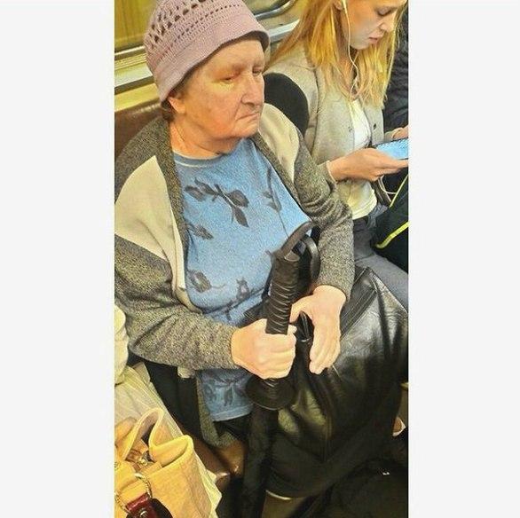 Περίεργοι τύποι που μπορεί να συναντήσεις στο μετρό (pics)
