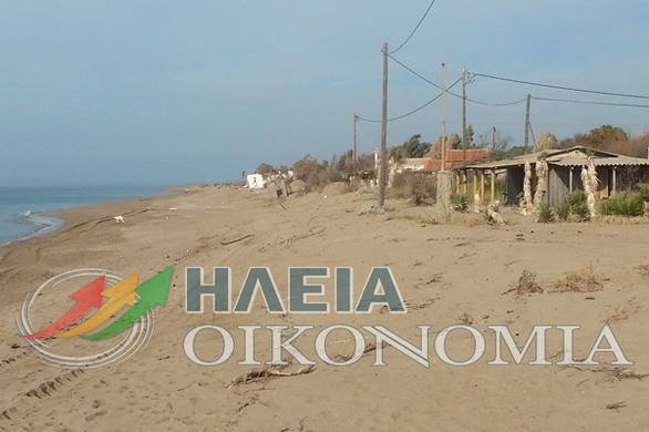 Ηλεία: 11 σπίτια «παρέσυρε» η θάλασσα στην παραλία Επιταλίου (pics)