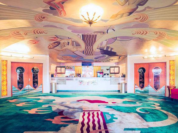 Του κόσμου οι... παράξενες αίθουσες για σινεμά (pics)