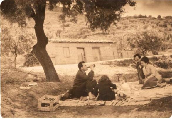Φωτογραφικό Αφιέρωμα - Πάσχα στην Πάτρα πριν πολλά πολλά χρόνια!