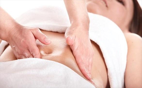 Απαλλαχτείτε από τους πόνους της περιόδου με 4 άπλα βήματα (pics)