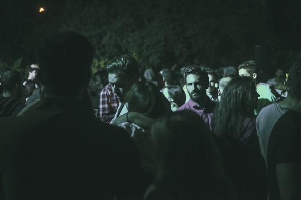 Βραχναίικα - Ένα party σε αυλή, χωρίς είσοδο, με free drink, όπως στα 90s! (φωτο+video)