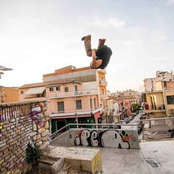Θα… πάθετε με όσα κάνουν οι fans του free running στην Πάτρα (pic+video)