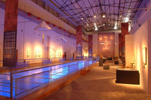 Πάτρα: Ένα Θέατρο που θυμίζει σκηνικό πολέμου και μια... Πολιτιστική Πρωτεύουσα που άφησε πίσω της συντρίμια