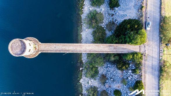 Ταξιδεύοντας πάνω από το φράγμα Πηνειού, στην Ηλεία, μέχρι το ηλιοβασίλεμα! (pics+vids)