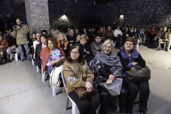 Πάτρα: Κατάμεστη η Αίθουσα Αίγλη στην εκδήλωση του Δήμου για την εξέγερση του Πολυτεχνείου (pics)