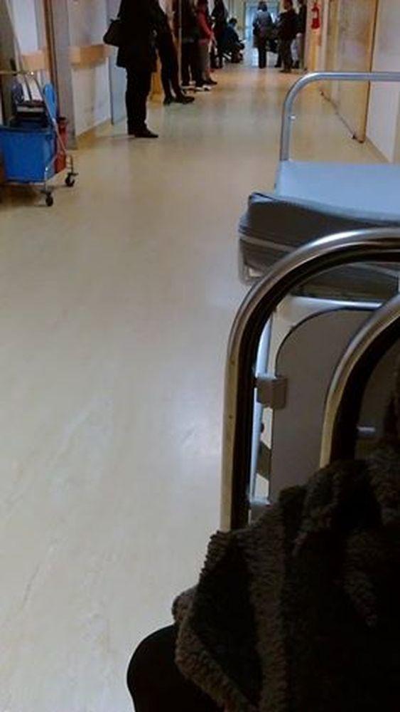 """Πάτρα: Είδος προς εξαφάνιση τα καθίσματα στο Νοσοκομείο """"Αγ. Ανδρέας"""" (pics)"""