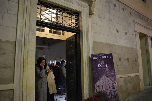 """Αίγιο: Εγκαινιάστηκε η έκθεση φωτογραφίας του Ανδρέα Μεσσήνη """"Day and Night"""" (pics)"""