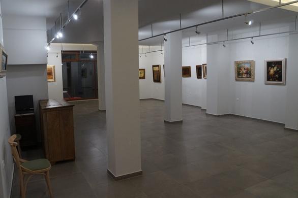 """Μια μοναδική έκθεση ζωγραφικής άνοιξε τις """"πύλες"""" της στη Ναύπακτο (pics)"""